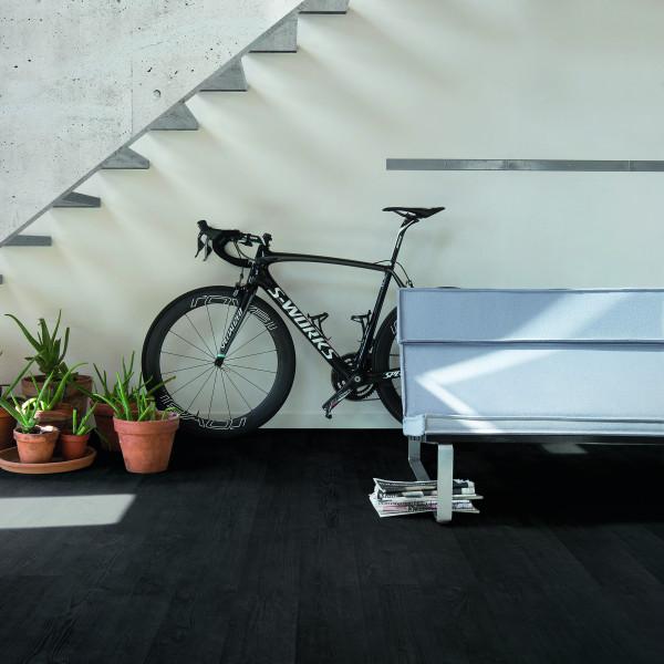 Laminaat zwart plank trap